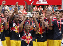 Henry lifting the Emirates Cup in London