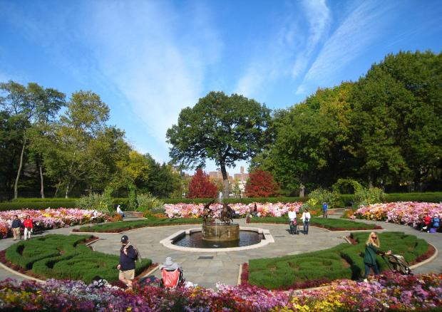 10-dates-conservatory-garden.jpg