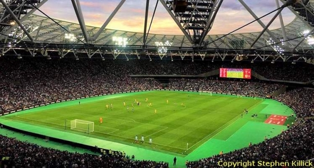london-stadium-west-ham-united-on-matchday-1471462582