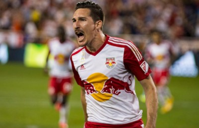 Sacha-Kljestan-Red-Bulls-Chicago-Fire-Penalty-Kick-Scream-2-620x400