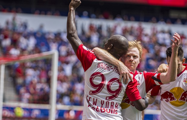 Bradley-Wright-Phillips-Red-Bulls-NYCFC-Goal-Celebrate-Dax-McCarty-Red-Bull-Arena-1-620x400